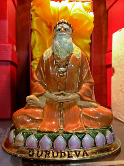 Gold Painted Gurudeva Statue